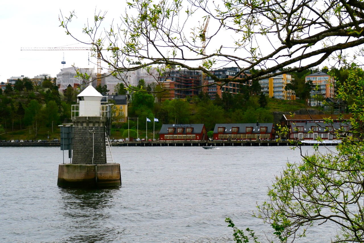 båttur stockholm under broarna