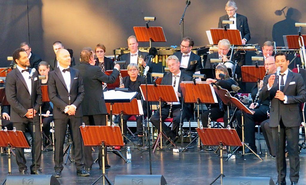 """Karl Dyall, Joachim Bergström och Rennie Mirro- En musikalisk hyllning """"Vegas i Vitan"""""""