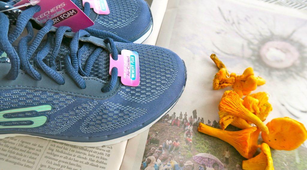 Dagens mål - skor och nyplockade kantareller