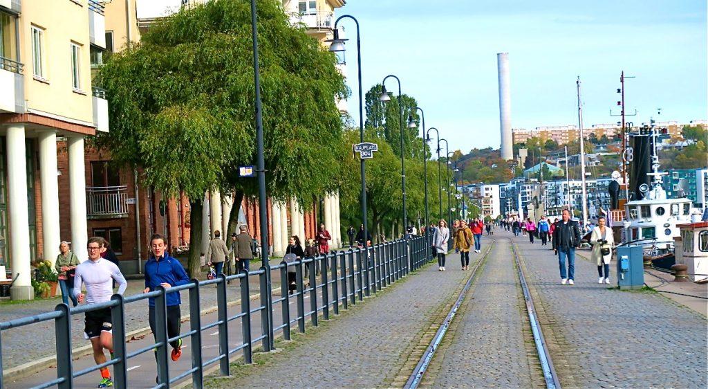 En stärkande promenad på längs Norra Hammarbyhamnen och på Södermalm, ger nya krafter