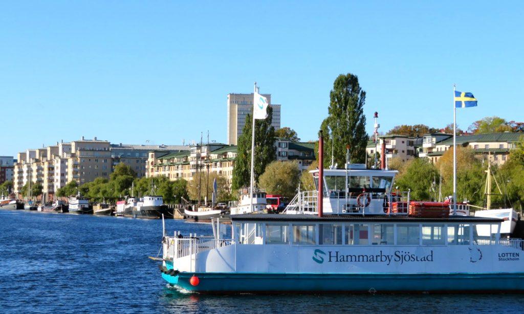 Njutflykt med båten Emelie från Söder och Barnängsbryggg till Djurgården