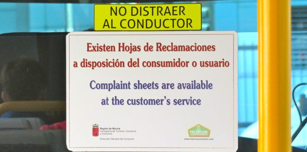 Dagens tema är information och på spårvagnarna i Murcia finns tydlig sådan.