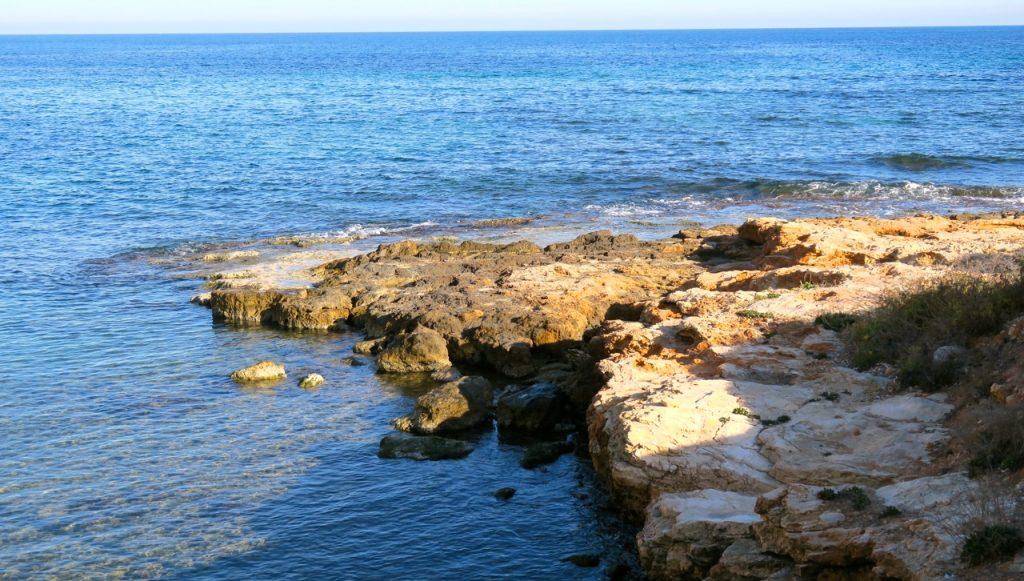 Havet är ofta närvarande under gång i Torrevieja.Alltid fint att ha havet som kuliss.