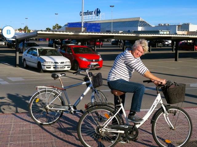 Fram kommer man lätt med cykeln. Även i Torrevieja.