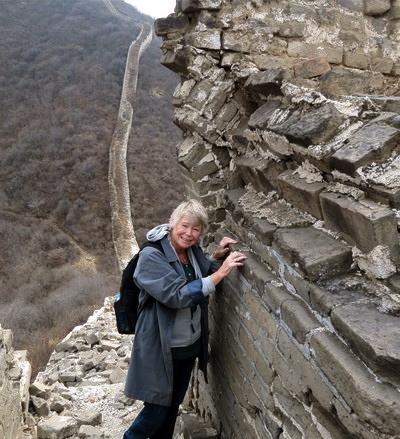 Under en vandring på ett underverk. På den kinesiska muren.