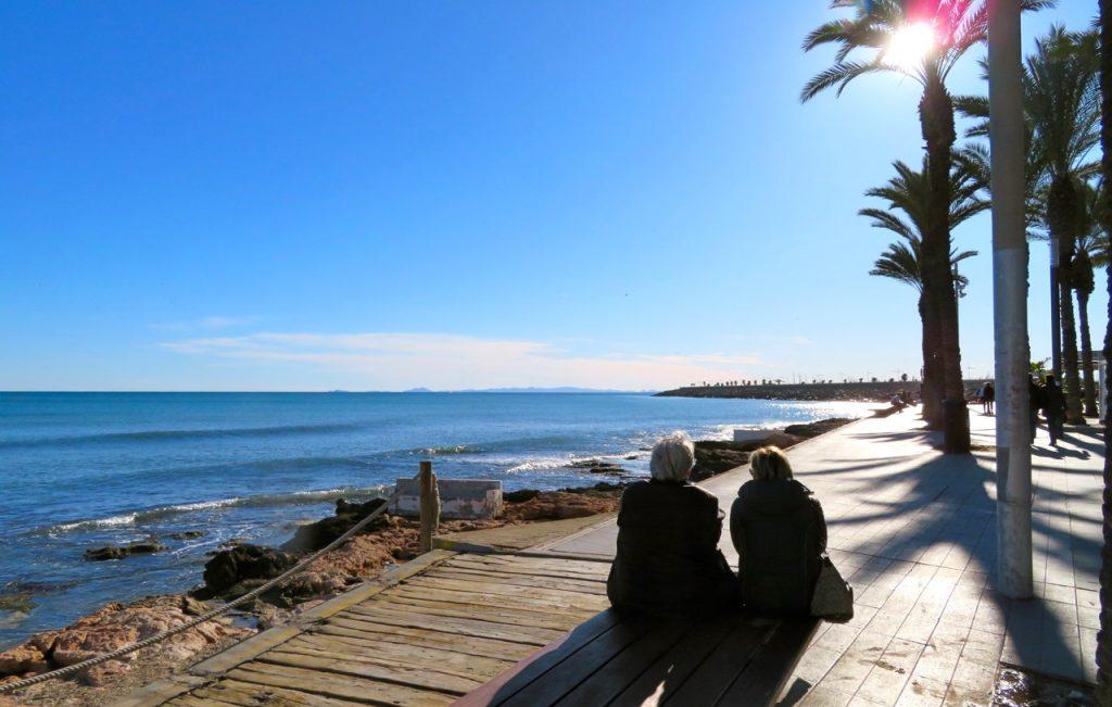 Sol, hav och blå himmel har vi ofta i Torrevieja och visst ger det god energi.