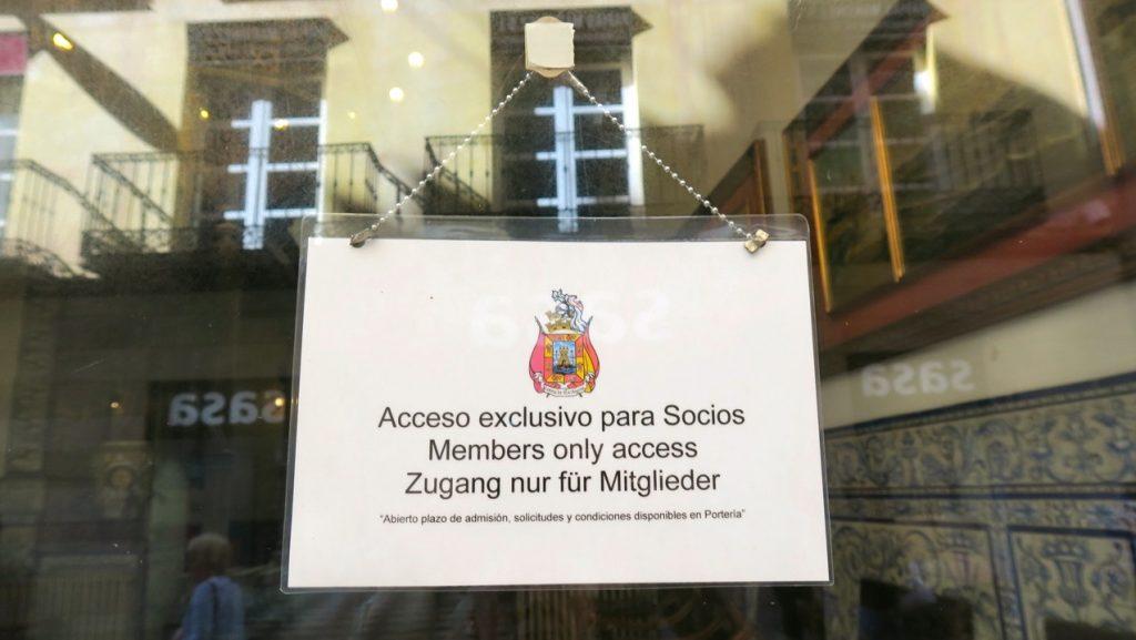 Informativ skylt på kasinot i Cartagena. Bara för medlemmar.