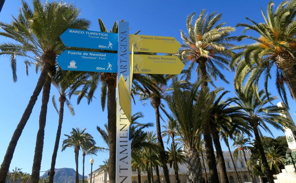 Upplysande och informativa skyltar i Cartagena