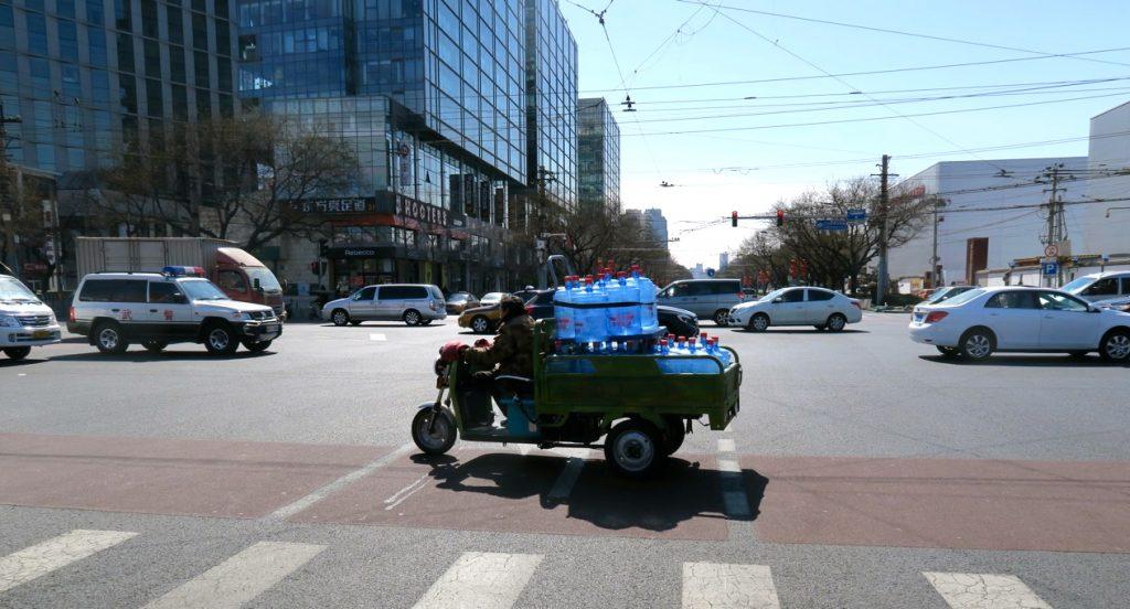 Ovan var jag vid den starka trafiken i Peking. Men jag kommer nog in i det...