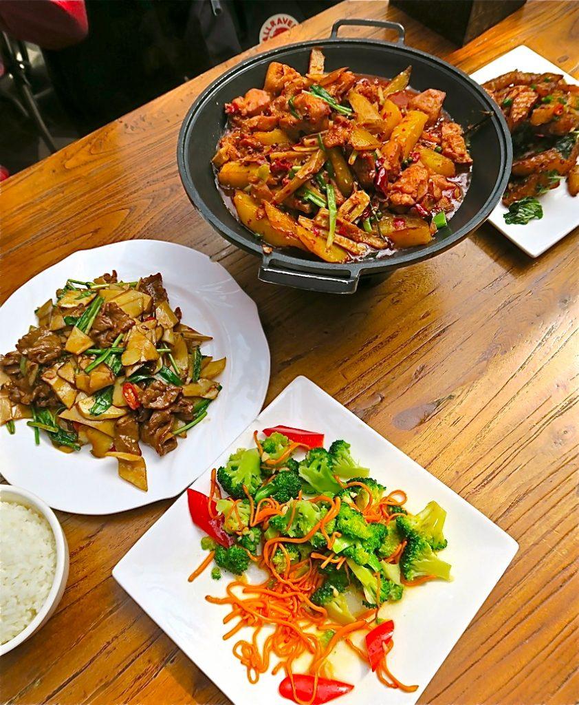 Yunnan är en provins i sydvästra Kina och här får vi en matresa genom att prova några väl valda rätter.