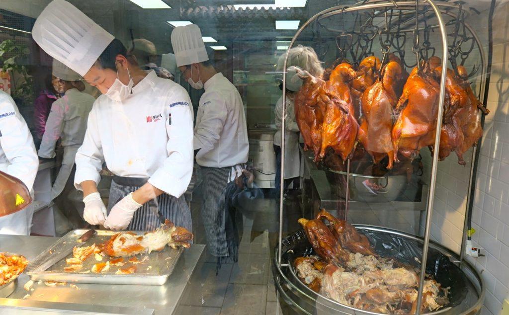 Pekinganka. Idag räknas även Peking och Shanghai in i Kinas olika kök.