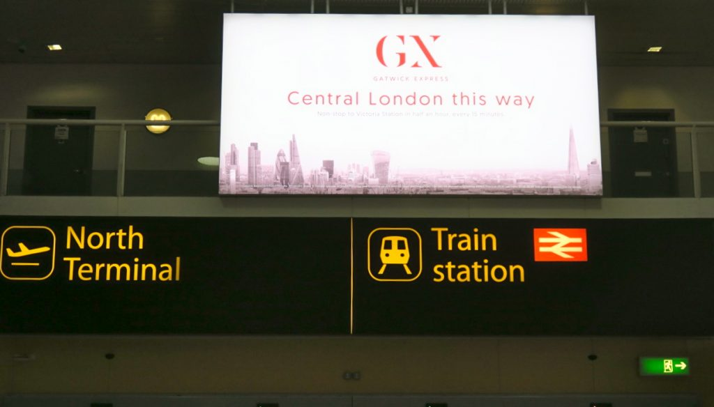 Tillbaka i LOndon. Här Gatwick flygplats några mil utanför London.