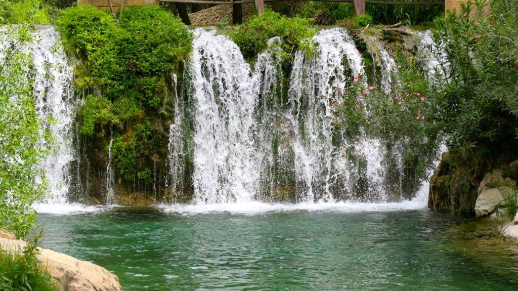 Ett av de större vattenfallen i Algar.