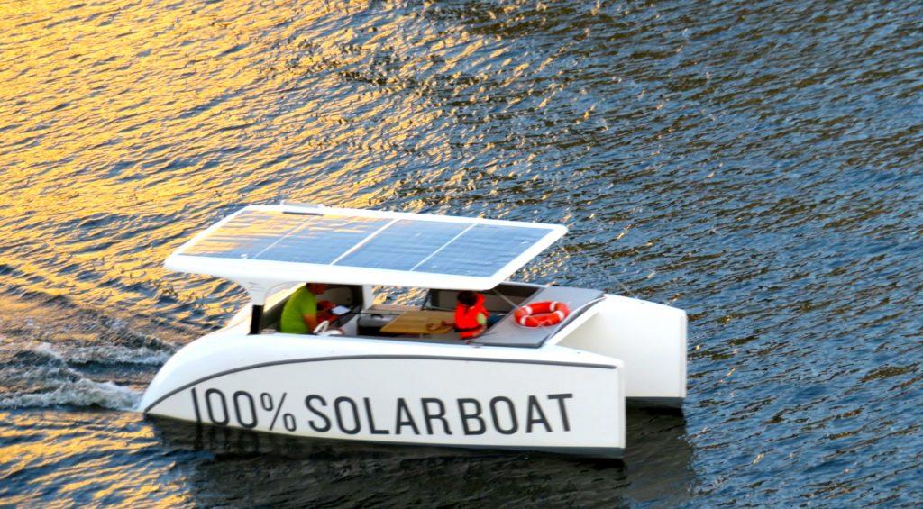 Visst känns denna soldrivna båt somring.