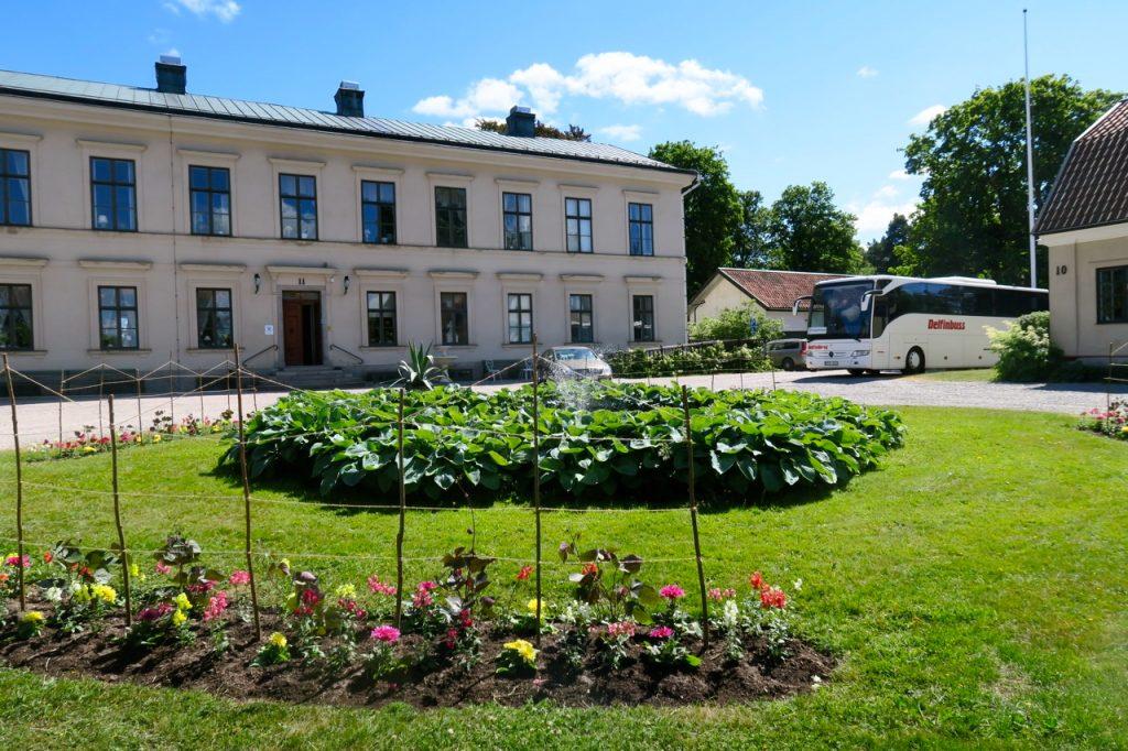 På vägen mot Uddevalla och bohuslän blev det ett fint lunchstopp på Karlslunds herrgård utanför Örebro.