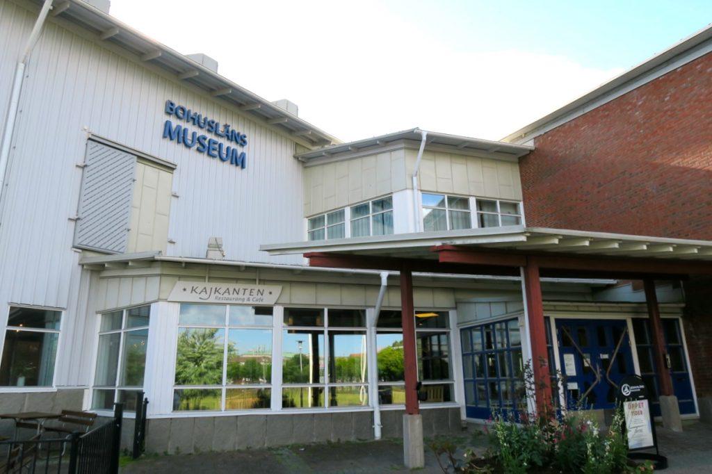 Bohusläns museun i Uddevalla visar dels det gamla bIhuslän och har även samtida konstutställningar