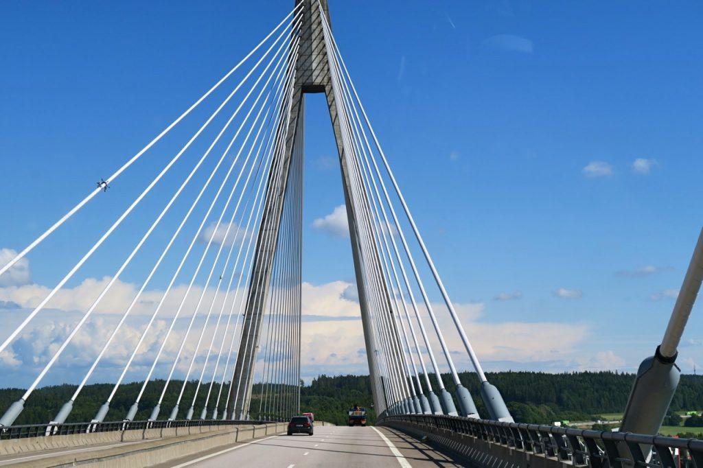 Uddevallabron som invigdes år 2000 är som ett signum för det moderna Uddevalla