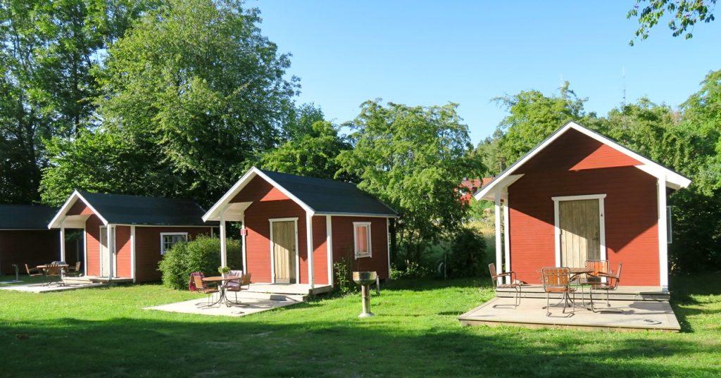 Gäststugorna som tillhör pensionat Solgården