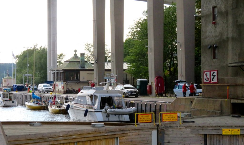 Båtar i Hammarbyslussen var en bland flera stilstudier denna dag.