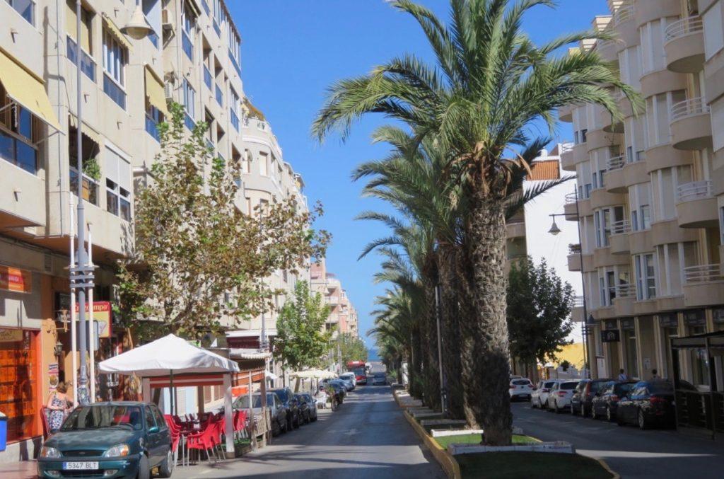 Centrum av Torrevieja - Hur ser det ut där  - Ditte Akker 5f5052504bc84