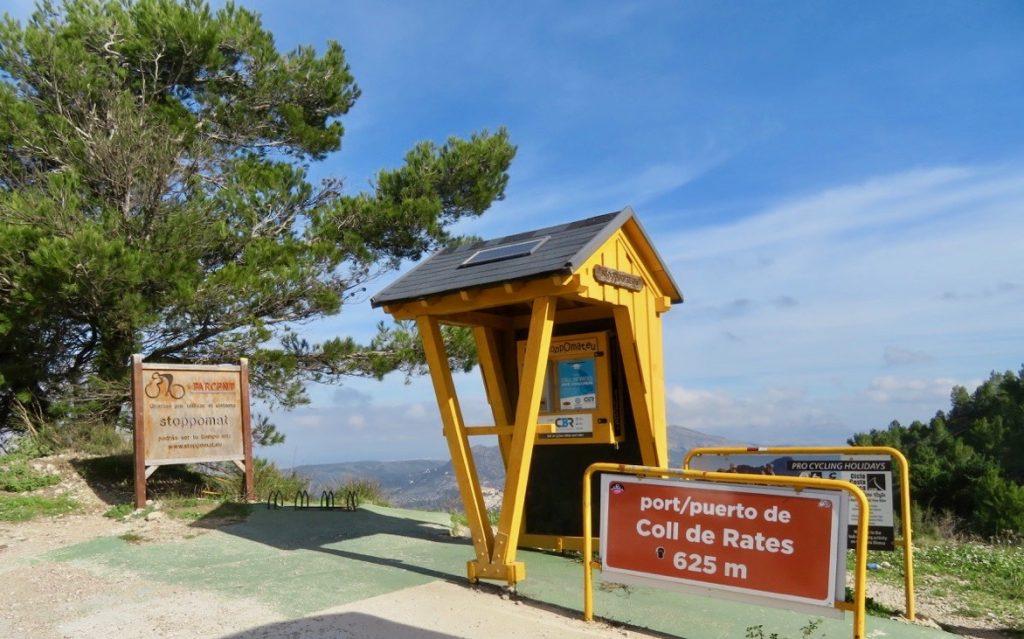 vi kom upp till Coll de Rates på 625 meter och hade en fin utsikt över Jalon Valley