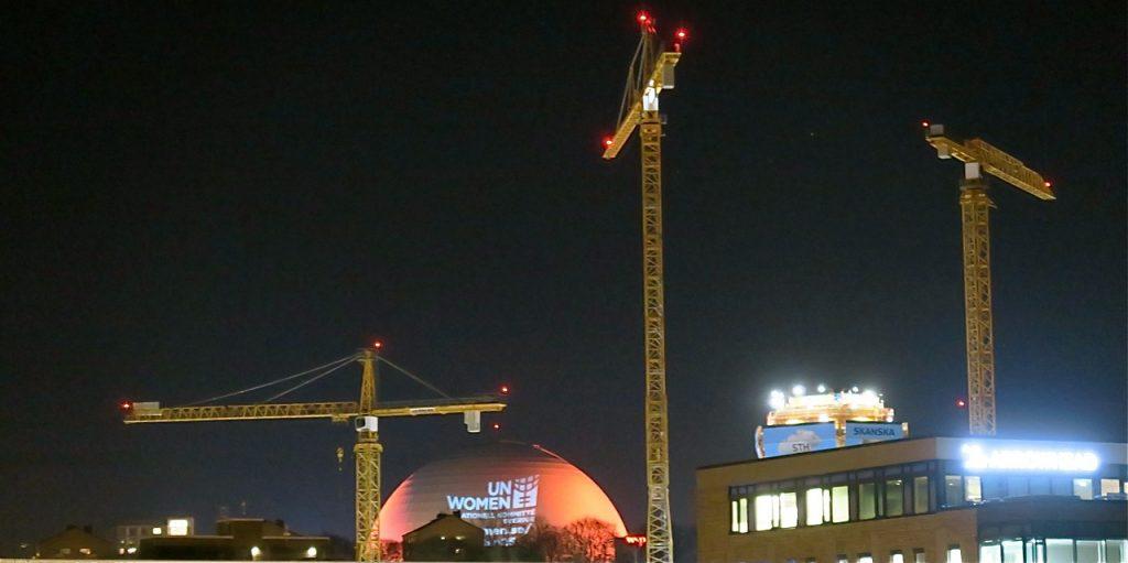 Det byggs en hel del i Stockholm. Här är ett nytt kontorshus på gång vid Gullmarsplan