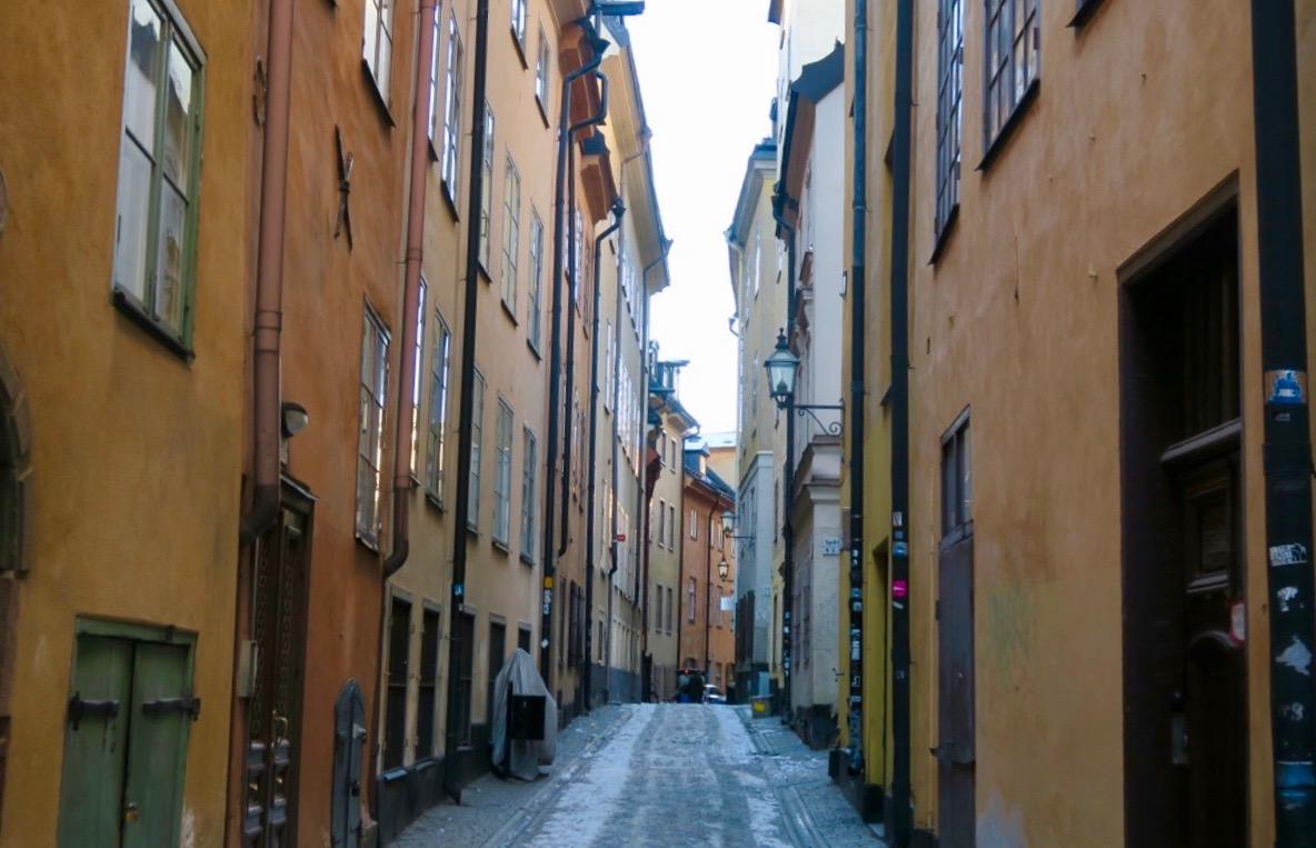 """Prästgatan en av de gamla gatorna i """"staden mellan broarna"""" - Gamla stan"""