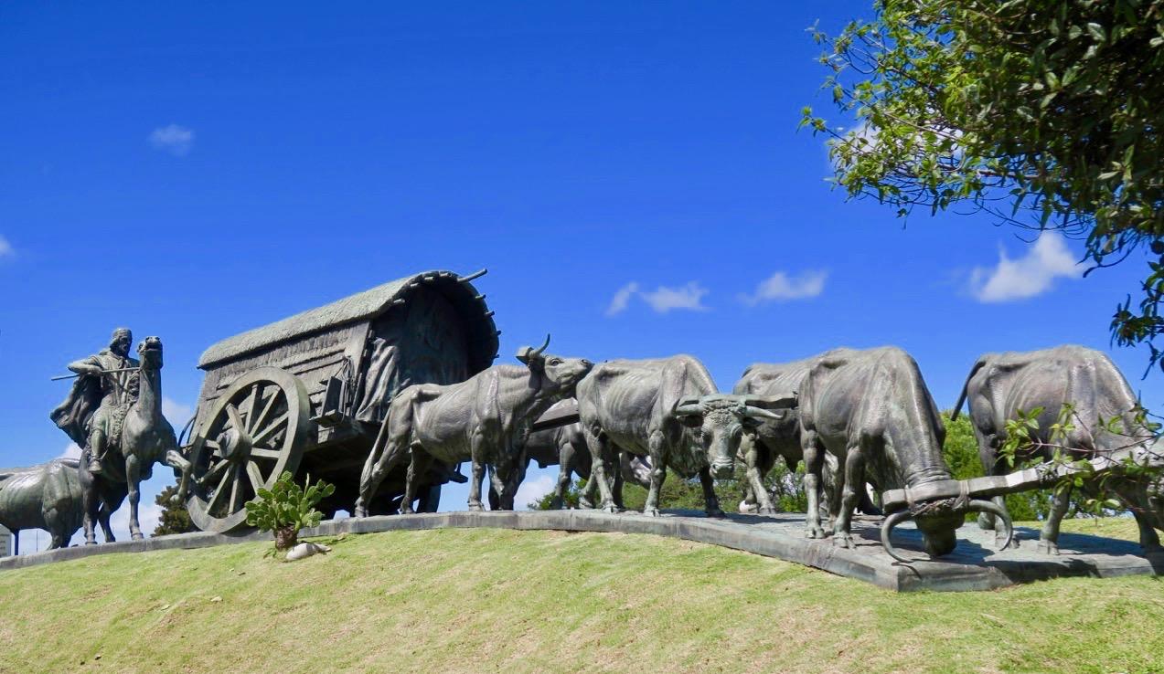 La Carretamonumentet i Montevideo är i brons och hela nio meter långt