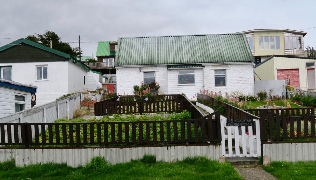 Bistadshusen i Stanley är enfamiljshus och ofta byggda i trä.