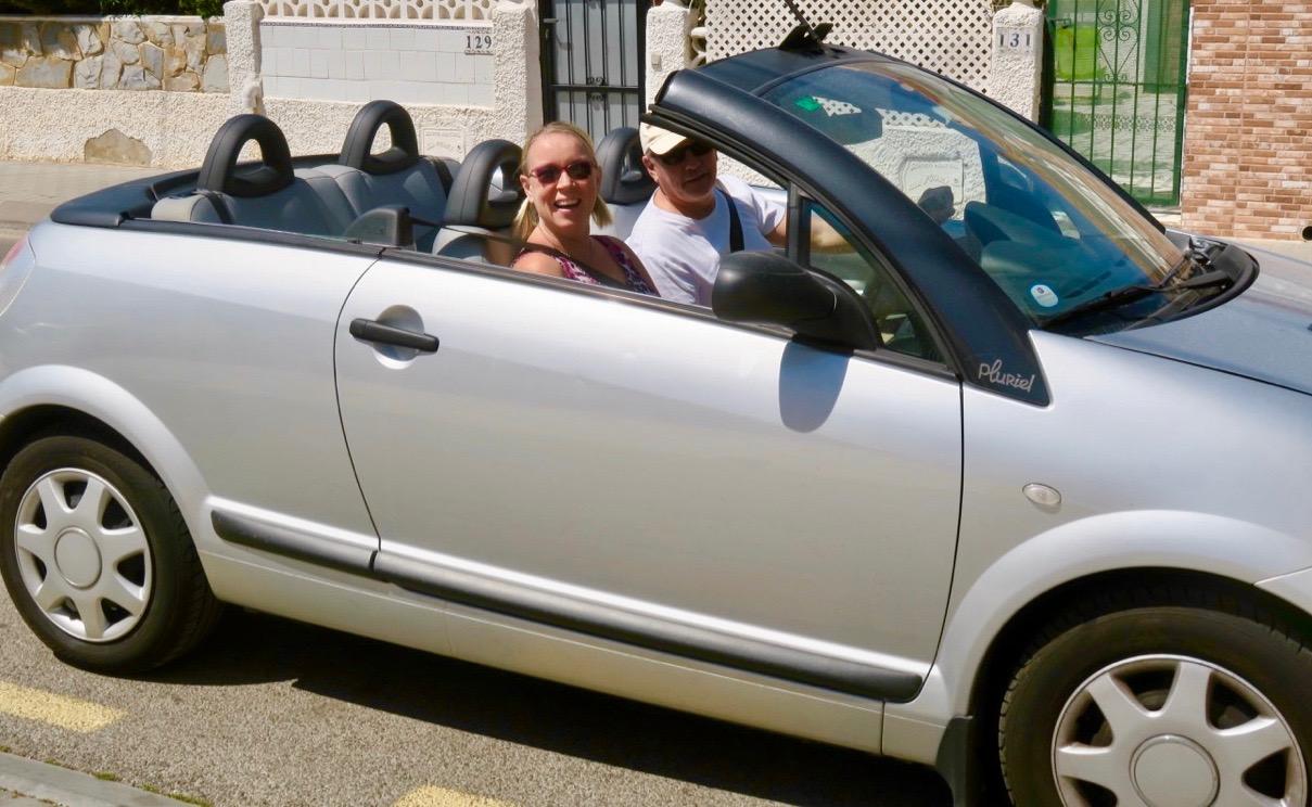 En fin cab, Citroen Pluriel, har sin plats i veckans Skyltsöndag.