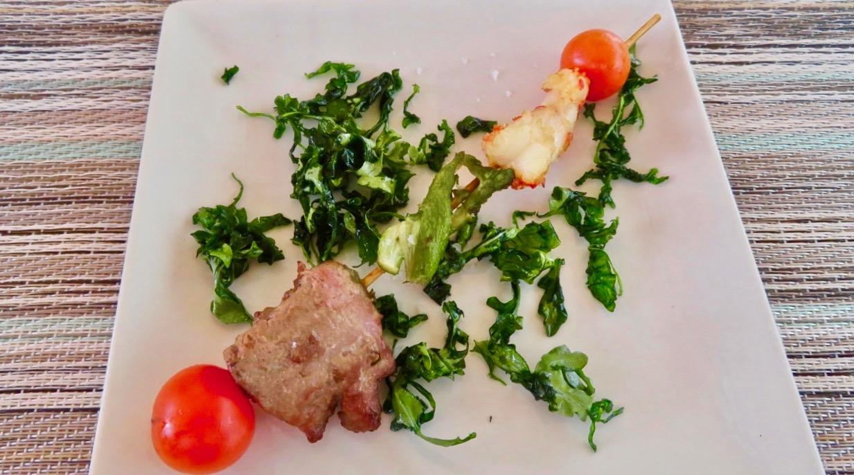 Tapasprovning i Torevieja. Här ett tonfisks och räkspett. Riktigt gott.