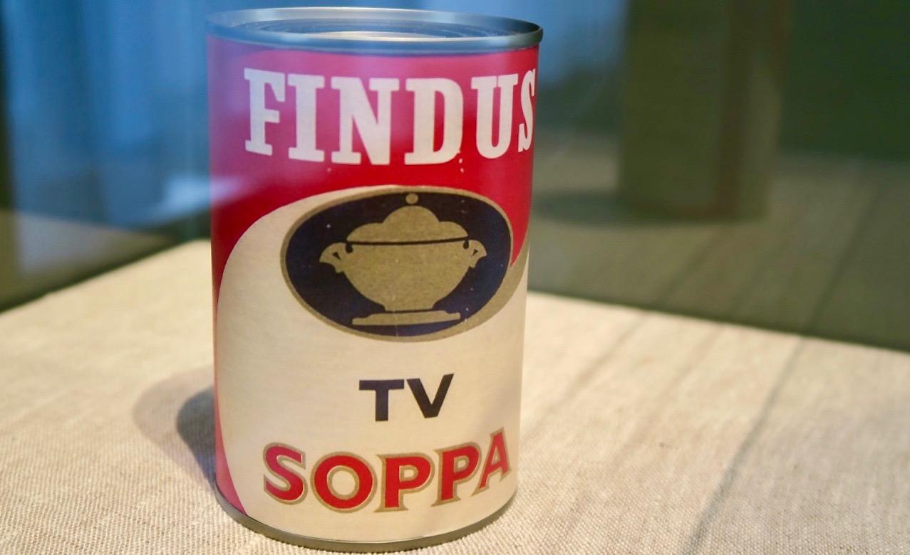 Visst har tv- soppan sin plats i dagens Skyltsöndag.