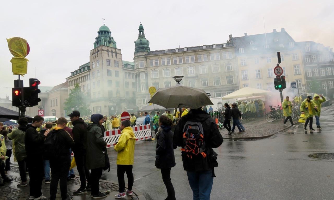 Ströget i Köpenhamn ockuperades denna fredag av fotbollshilliganer.