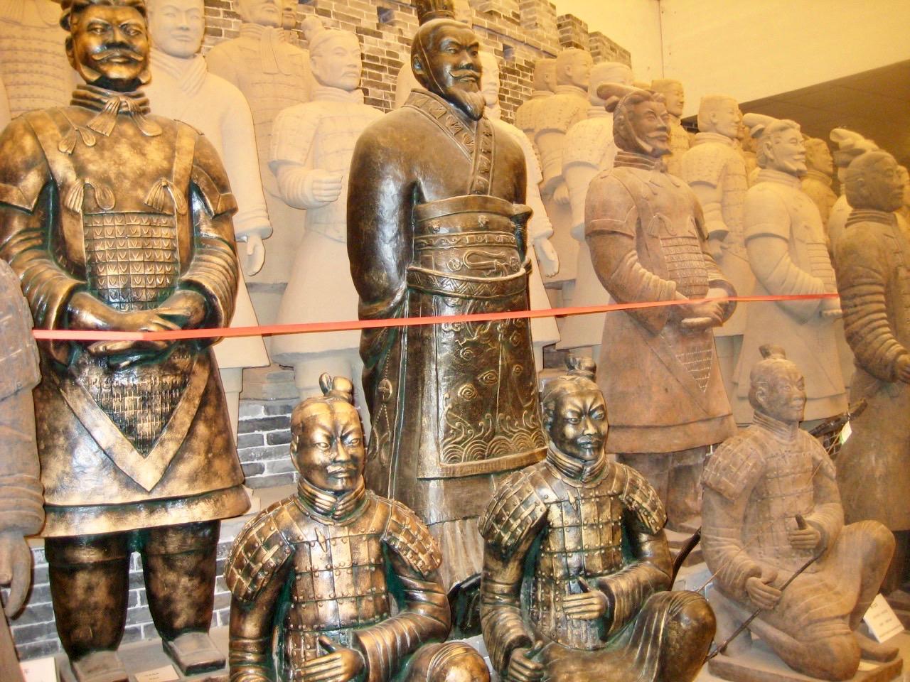 Inte bara en staty utan en hel armé, terrakottaarmén, besökte vi i den kinesiska staden Xian.
