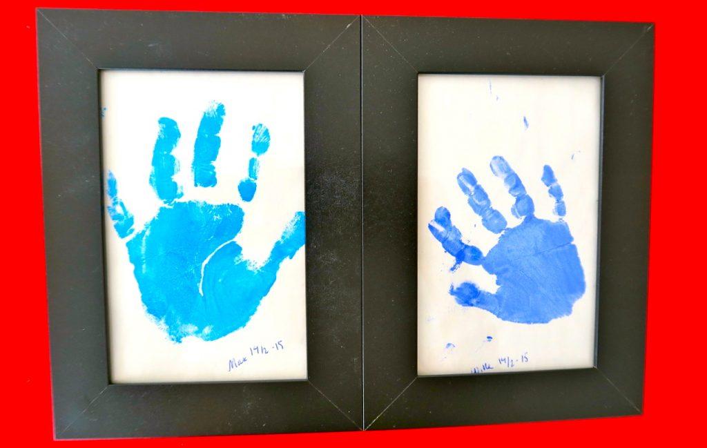 Händer som händer. Lika men olika.