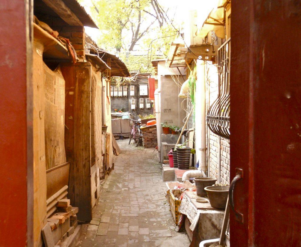 En dörr som öppnas för oss i Pekings hutonger.