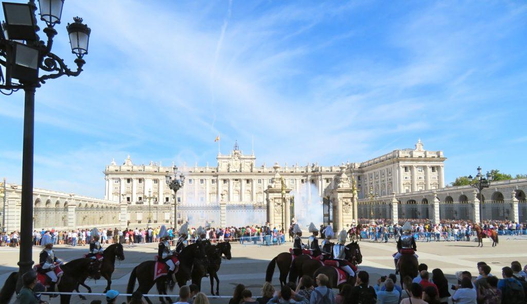 Kungliga slottet i Madrid. Natur och kultur möts.