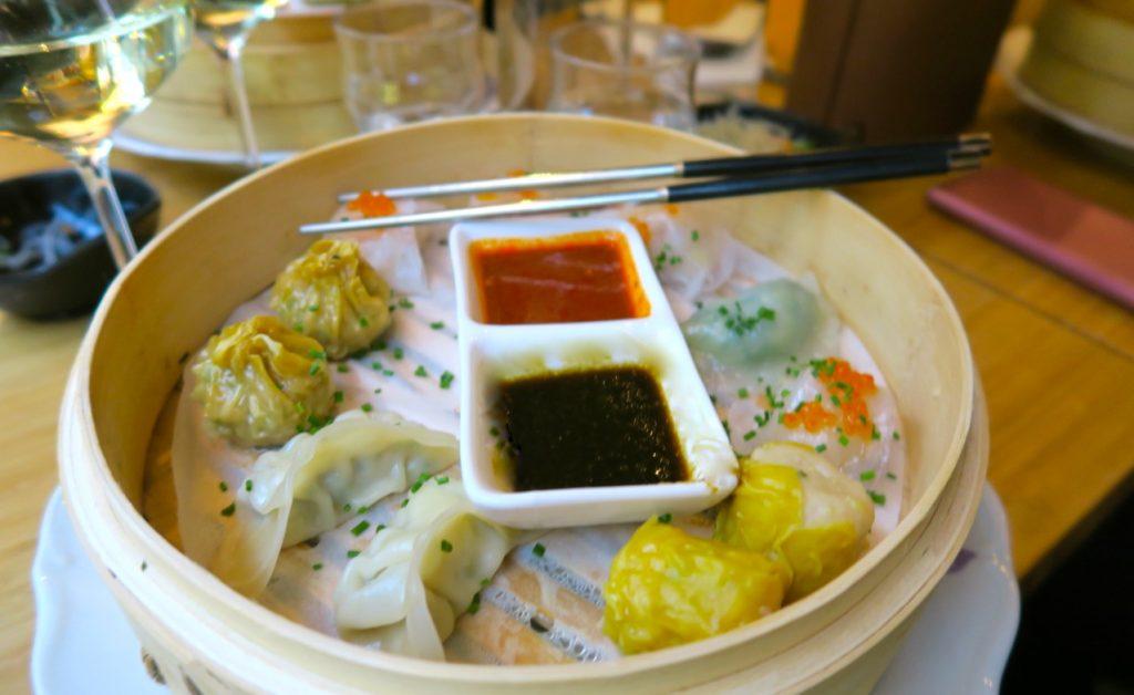 Vackra dumplings på restaurang Waipo som var både upplysande och uppiggande.