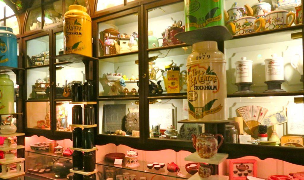 Allt som finns i butiken och som säljs här har med te att göra.