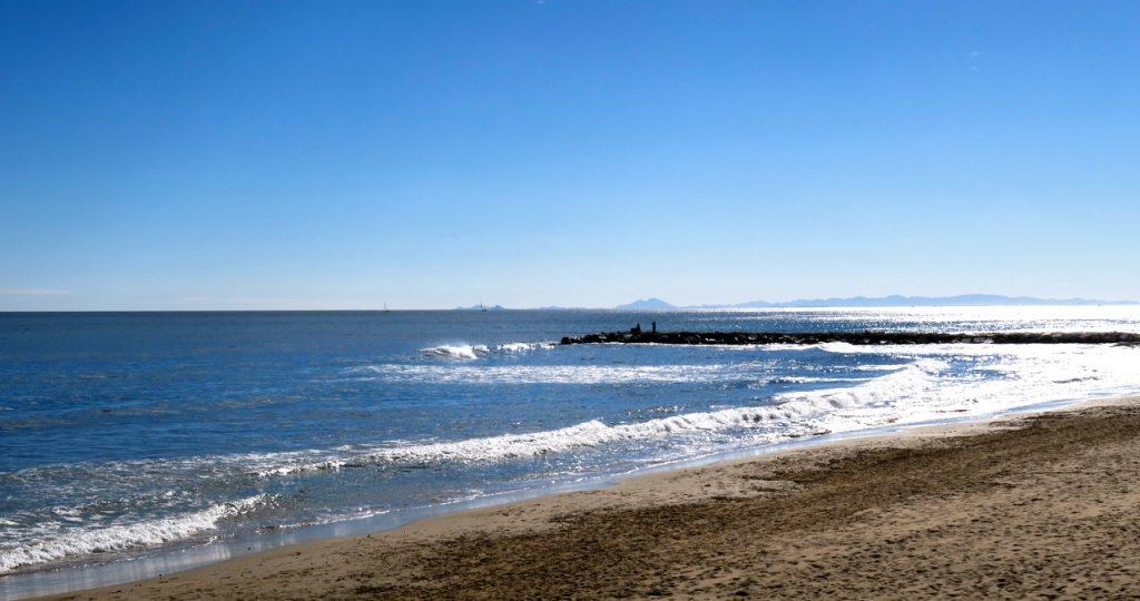 Avkopplande blå omgivningar i Torrevieja.