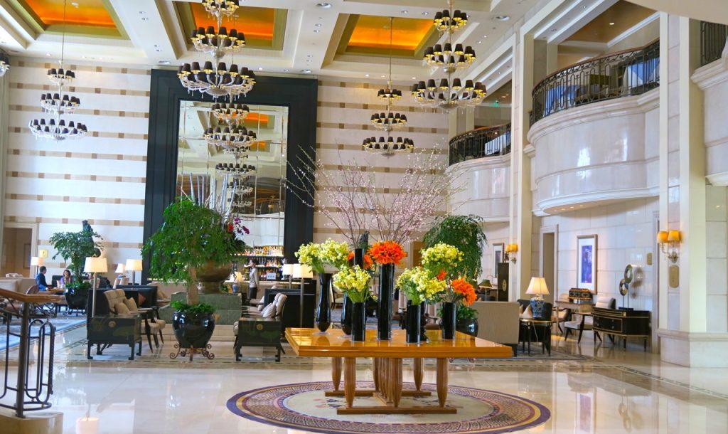 Hotell St. Regis i Peking och en brunch med genomgående champagne väntar