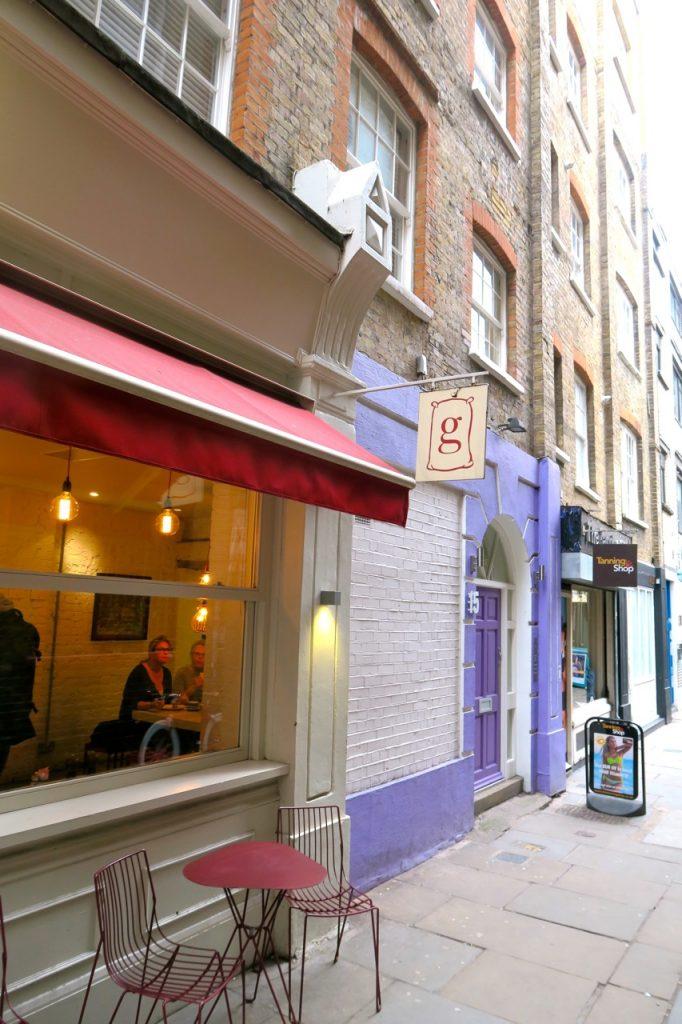 Mysigt och fräscht boende i London i lägenhet på St, Annes Court i SoHo