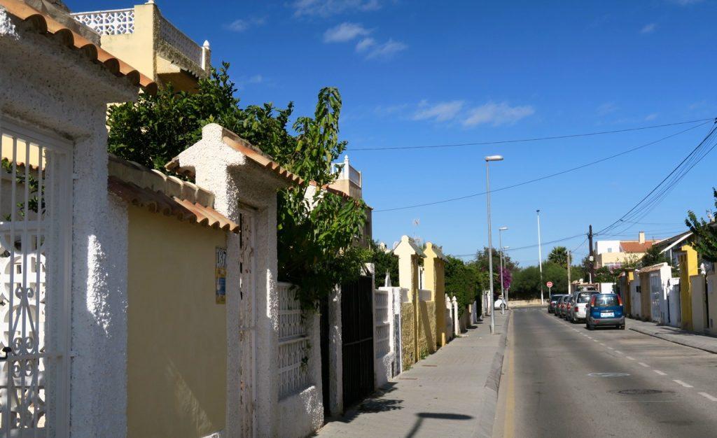 """Gårdagens jordskalv märktes tydligt påvår """"Solskensgata"""" här i Torrevieja"""