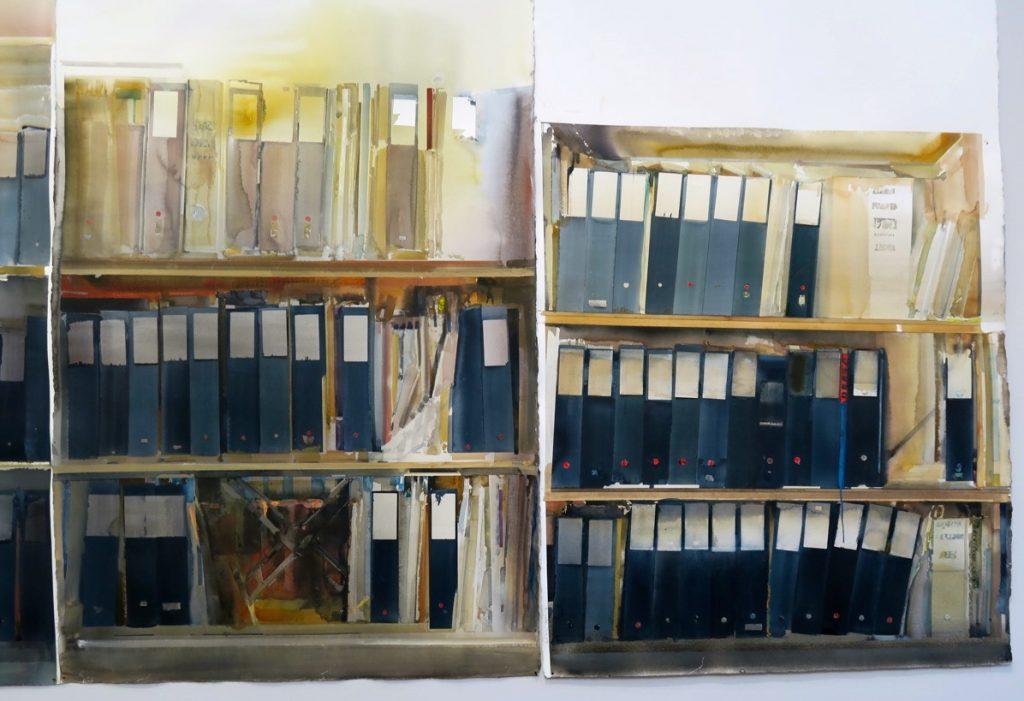 Kanske hyllar Lars Lerin här kunskap och läsande. Pärmarna är en dokumentation.