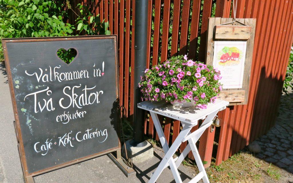 """DEt finns många trevliga caféer bara man kommer bort från de större vägarna. Här Arboga och """"Två Skator"""""""