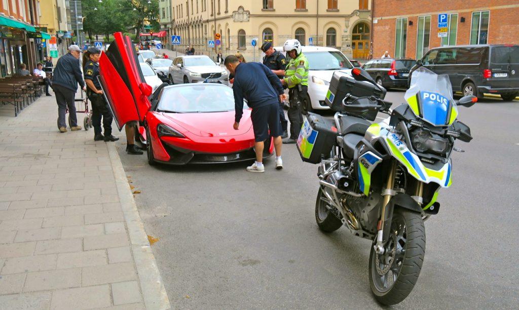 På Söder blev det utökade spaningar och polisen ryckte ut.