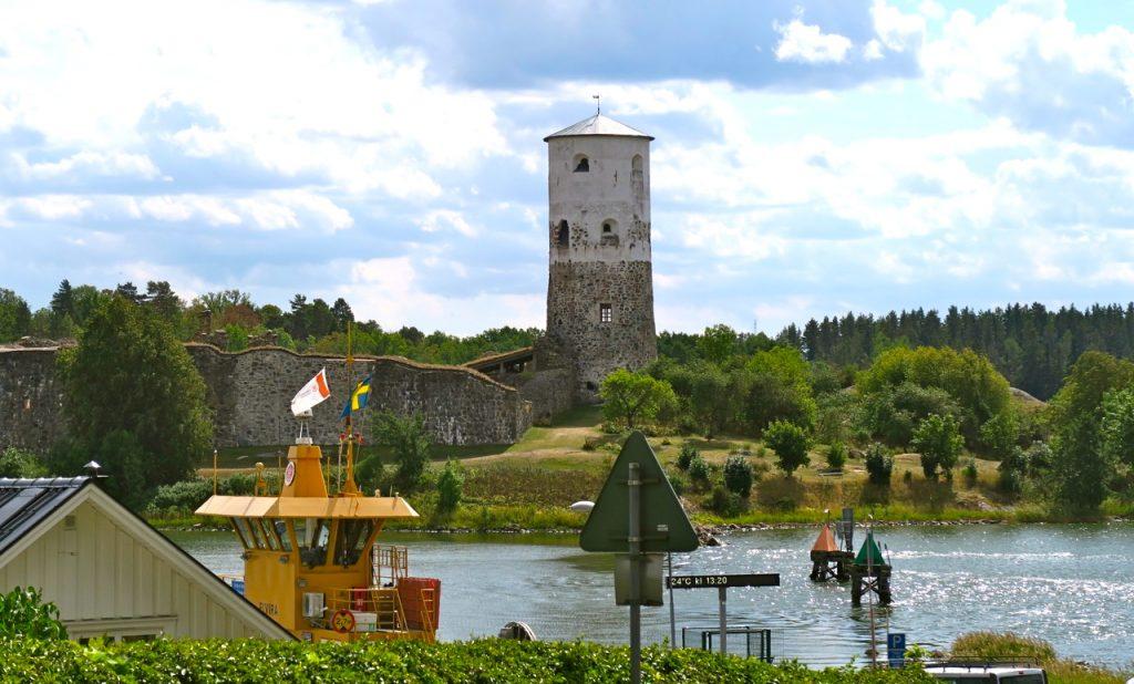 Stegeborgs slottsruin vid Slätbaken i Östergötland.