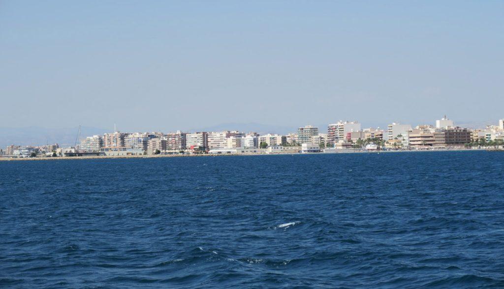 Vi närmar oss den mysiga kuststaden Santa Pola.