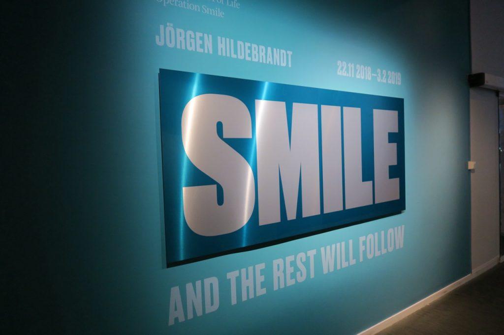 Möt världen med ett leende - En utställning på Fotografiska i Stockholm som verkligen berör.
