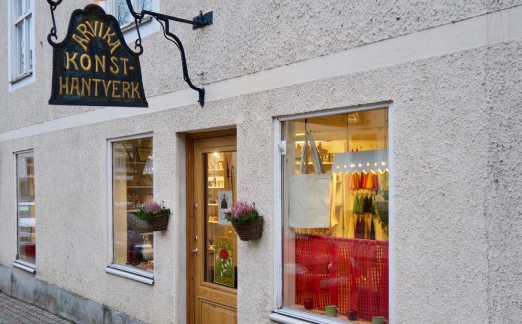 Välkommen in till Arvika konsthantverk på Kyrkogatan 17B